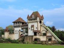Paseo temático del saetín y de la montaña rusa del registro del castillo Fotos de archivo libres de regalías