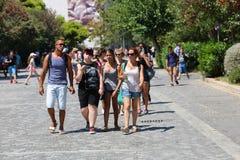 Paseos Atenas Grecia de los visitantes Imagen de archivo