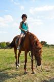 Paseos en un caballo Fotos de archivo libres de regalías