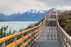Paseos marítimos alrededor del glaciar de Perito Moreno foto de archivo libre de regalías