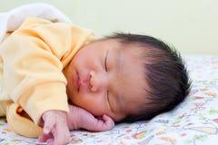 Pasgeboren baby 1. stock fotografie