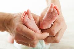 Pasgeboren baby dichte omhooggaand Stock Afbeeldingen