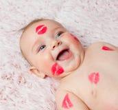 Pasgeboren baby gir gevulde kussen stock foto