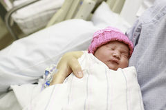 Pasgeboren Baby in het Ziekenhuis stock afbeelding