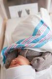 Pasgeboren baby in het ziekenhuis royalty-vrije stock afbeeldingen