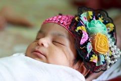 Pasgeboren babymeisje - India Stock Foto's