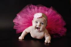 Pasgeboren babymeisje in rok Royalty-vrije Stock Foto's