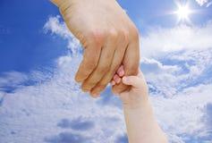 Pasgeboren Hand stock fotografie