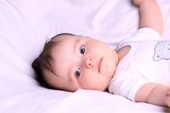 Pasgeboren meisje stock afbeelding