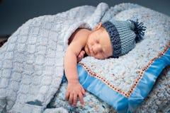 Pasgeboren slapen Stock Afbeeldingen