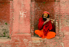 Pashupathinath Mandir,加德满都,尼泊尔- 2017 1月01,音乐家 免版税库存照片