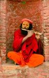 Pashupathinath Mandir, Katmandu, Nepal - 1º de janeiro de 2017 músico Imagem de Stock Royalty Free