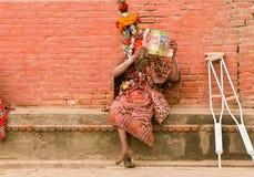 Pashupathinath Mandir, Katmandu, Nepal - 1º de janeiro de 2017 o leitor Imagem de Stock Royalty Free