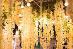 Pasillo adornó con las flores Imagenes de archivo