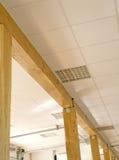 Pasillo con pillars_canopy de madera Fotos de archivo libres de regalías