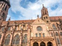 Pasillo de la catedral de la iglesia de monasterio de Friburgo Imagenes de archivo