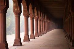 Pasillo de la entrada al Taj Mahal imagenes de archivo