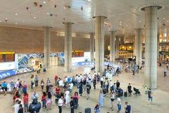 Pasillo de la llegada del terminal 3 en el aeropuerto de Ben Gurion de Israel Imagen de archivo libre de regalías