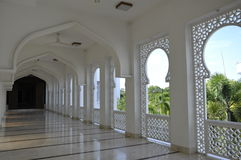 Pasillo de la mezquita del al-Bukhari en Kedah Imágenes de archivo libres de regalías