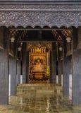 Pasillo de madera en templo foto de archivo libre de regalías