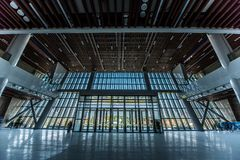 Pasillo de un centro de convenio grande imágenes de archivo libres de regalías