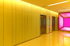 Pasillo del elevador o de la elevación imagen de archivo libre de regalías