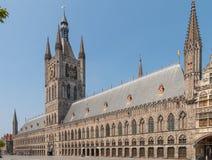Pasillo del paño en Ypres Bélgica fotos de archivo