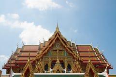 Pasillo del sermón en un monasterio con el azul de cielo Fotografía de archivo