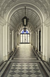 Pasillo del siglo XIX del edificio Fotos de archivo