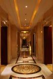 Pasillo hermoso del hotel Imágenes de archivo libres de regalías