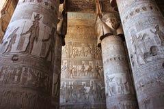 Pasillo hipóstilo del templo de Hathor en Dendera Fotografía de archivo libre de regalías