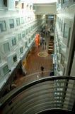 Pasillo principal del barco de cruceros grande Imagen de archivo libre de regalías