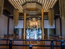 Pasillo principal en el templo de Zojoji, Tokio, Japón imágenes de archivo libres de regalías