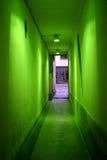 Pasillo verde imagen de archivo