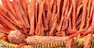 paski przyprawiający z pikantność i dorośleć mięso solankowymi i naturalnymi Zdjęcia Stock