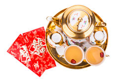 Płaskiego łóżka widok na Chiński herbacianym ustawiającym z kopertą znoszący słowo kopii szczęście Obrazy Royalty Free
