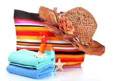 paskować toreb rzeczy plażowe jaskrawy Fotografia Royalty Free