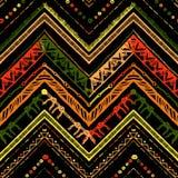 Paskuje jaskrawego plemiennego bezszwowego wzór z zygzag Obraz Royalty Free