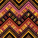 Paskuje jaskrawego plemiennego bezszwowego wzór z zygzag Fotografia Stock