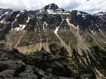 Pasmo górskie w śniegu fotografia stock