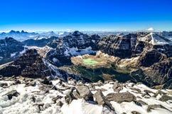 Pasmo górskie widok od Mt świątyni, Banff NP, Kanada Fotografia Stock