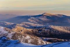 Pasmo górskie z colourful zmierzchem Zdjęcie Stock