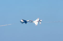Paso cercano de Airshow imagenes de archivo