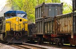 Paso de dos trenes de carga Fotografía de archivo