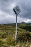 Paso de la señal del camino del lugar en Escocia Imagenes de archivo