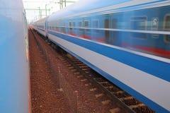 Paso de los trenes cerca Imagen de archivo libre de regalías