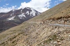 Paso de montaña del La de Tanlang en Ladakh, la India Imágenes de archivo libres de regalías