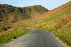 Paso de Newlands un paso de alta montaña en el distrito inglés del lago Fotografía de archivo libre de regalías