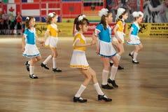 Paso de progresión de danza de las muchachas en IX la olimpíada de la danza del mundo Fotografía de archivo