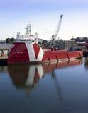 Paso de PSV VOS - Vroon a poca distancia de la costa foto de archivo